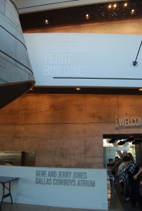 Who donated money for the Perot Museum