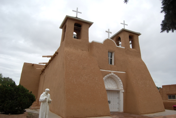 San Fransisco de Asis Mission Church in Taos