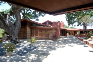 FLLW Hanna House Stanford CA (96)
