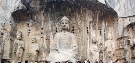 Longmen Grottoes in Luoyang